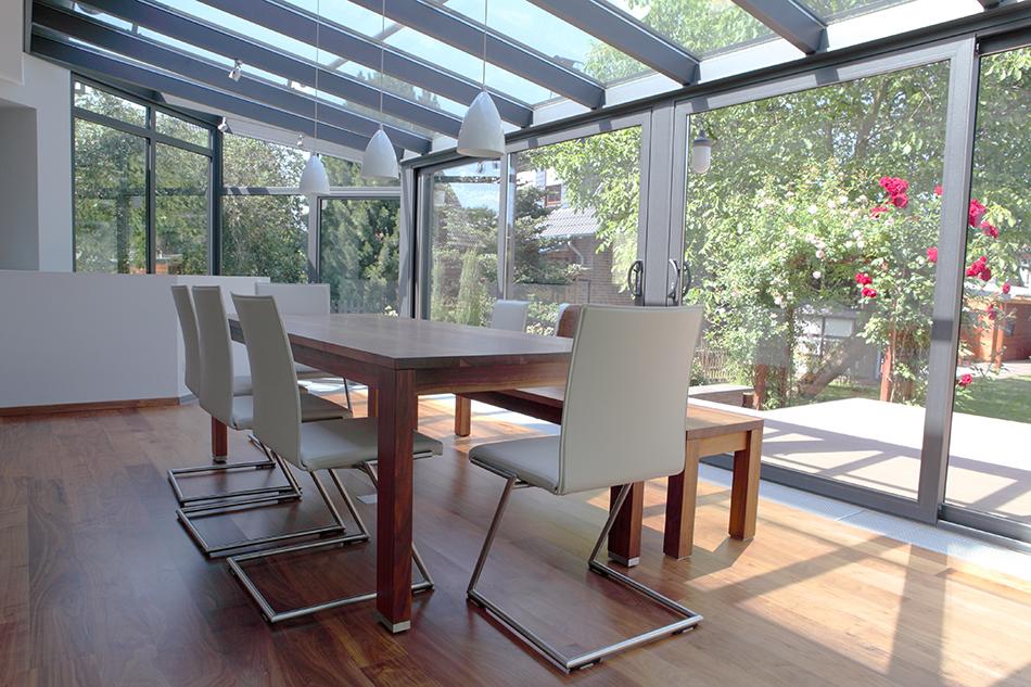 BDV Windows veranda met tafel en stoelen zijkant